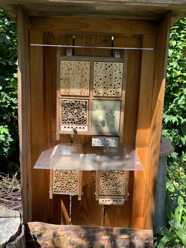 Wildbienenhäuschen